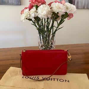 Louis Vuitton Lexington Pochette Vernis Rouge